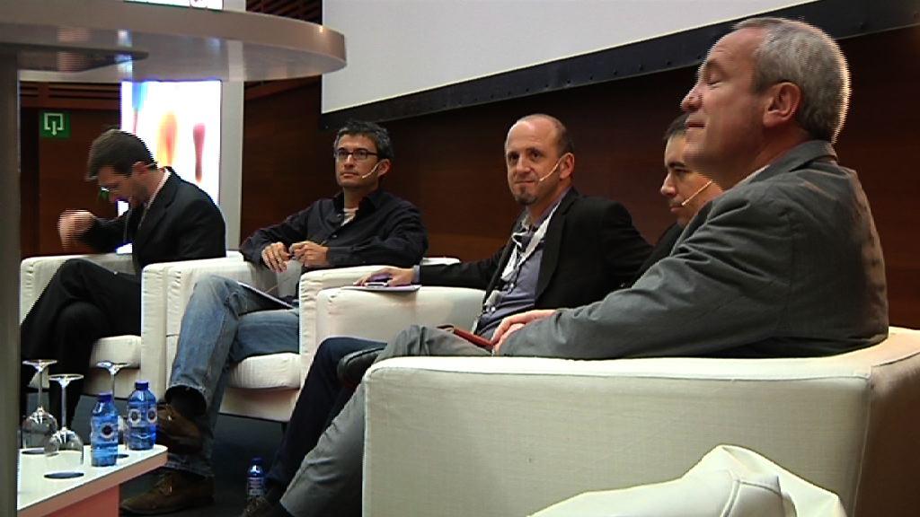 Mesa redonda, II Congreso de Ciudadanía Digital [42:56]