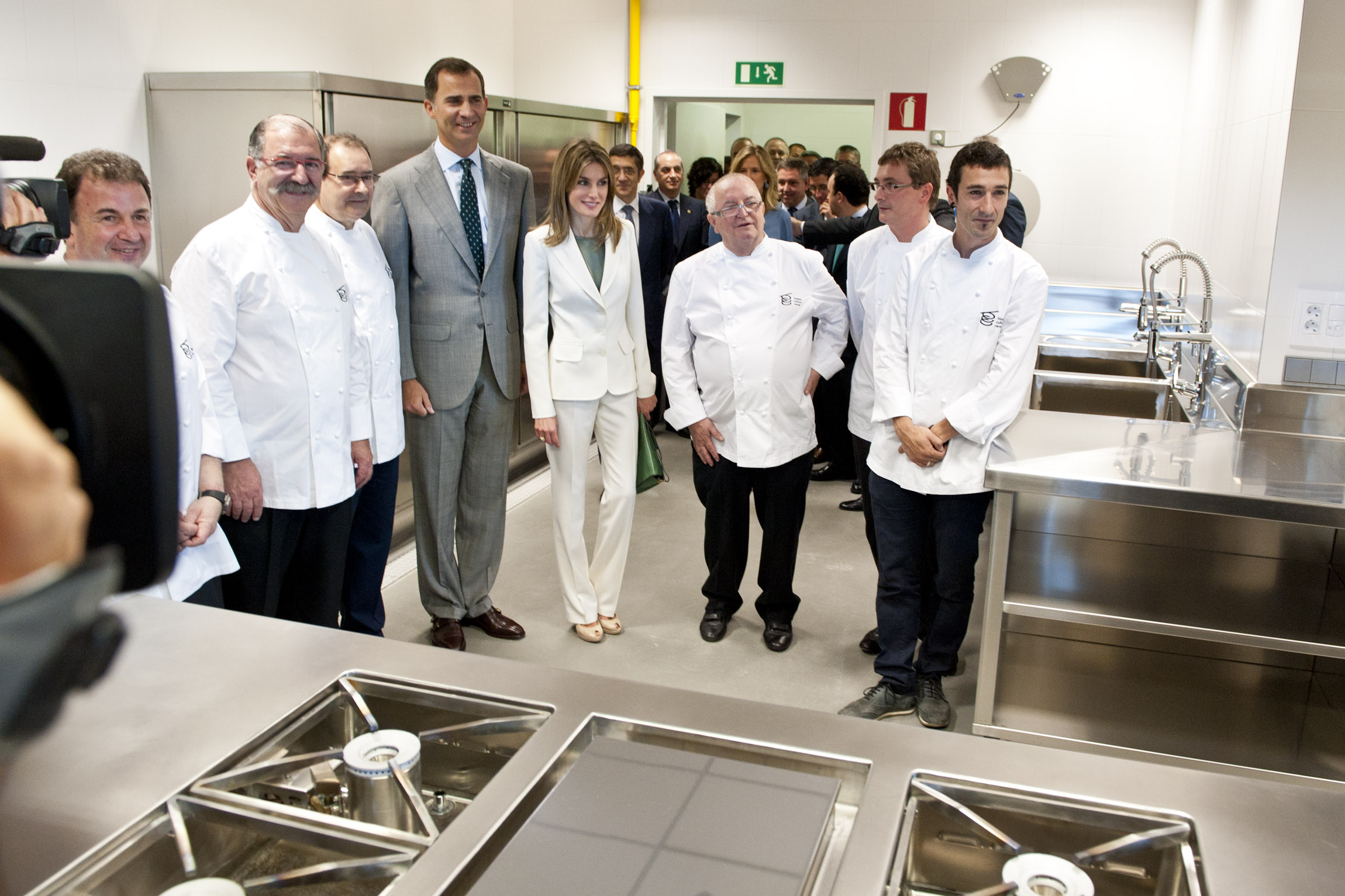 El Lehendakari y los Prncipes inauguran el Basque Culinary Center