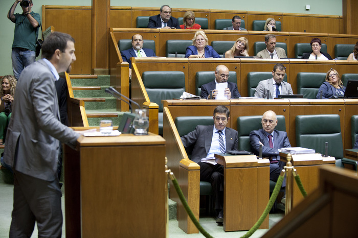 2011_09_29_lehen_parlamento_238