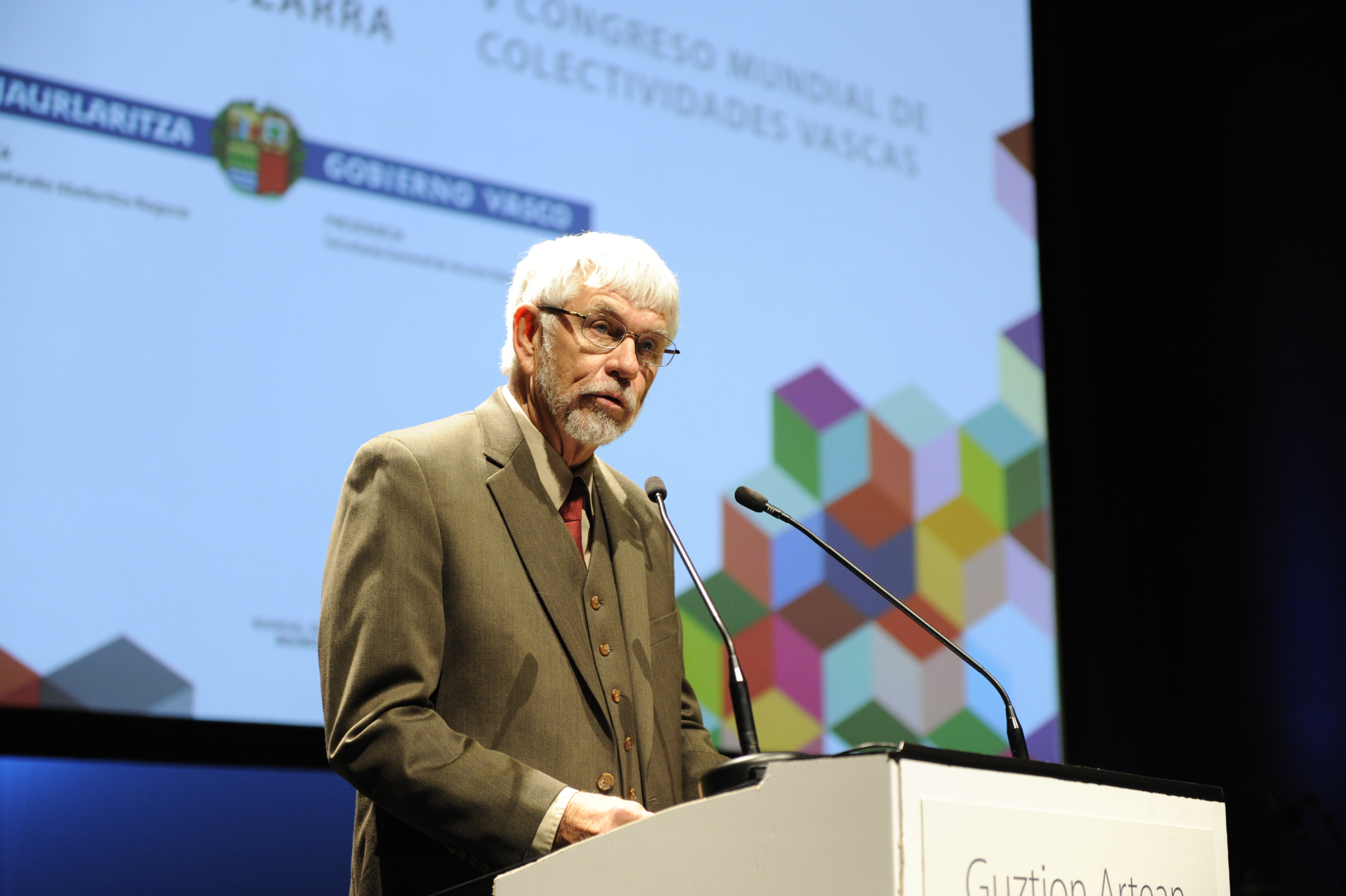 Basques from four continents congregate in San Sebastián