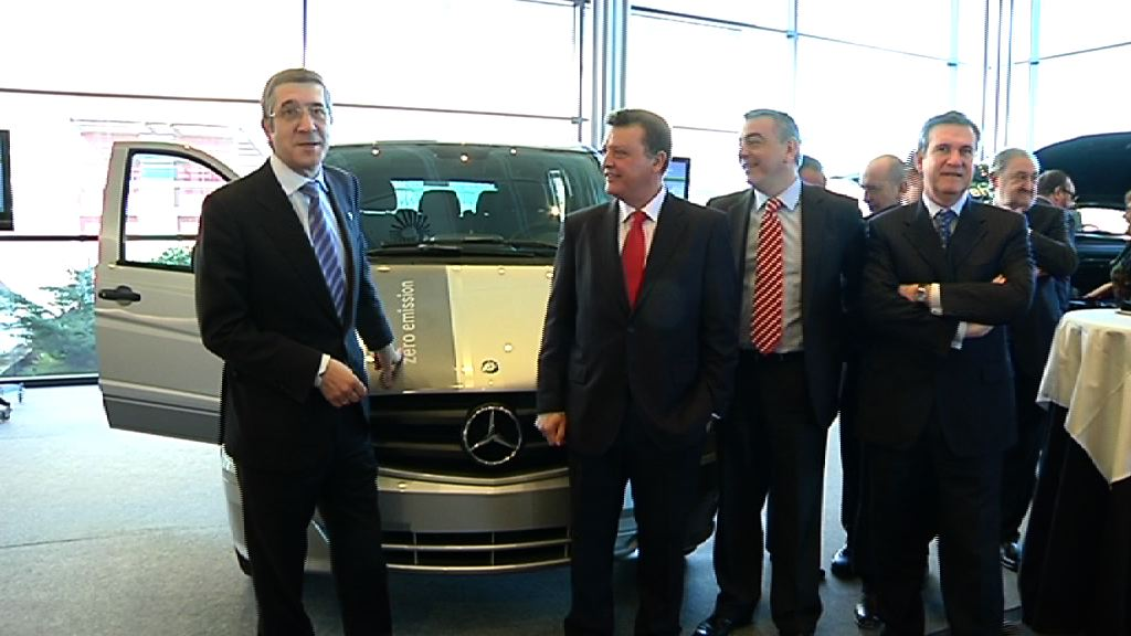 Video The Government and 10 Basque companies involved in the electric Vito project worth 13.5 million euros 