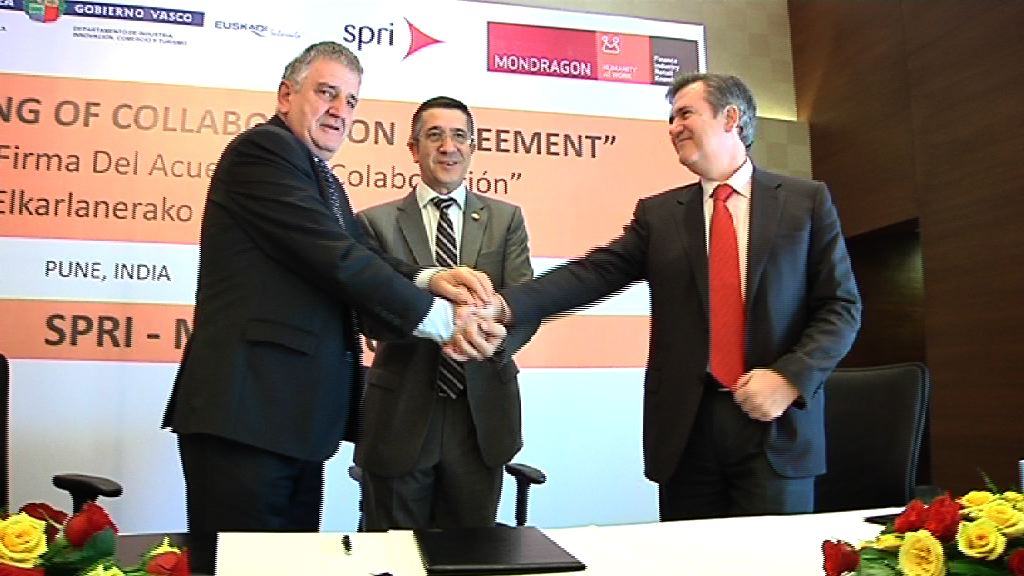 SPRI signs an agreement with Corporación Mondragón for Basque companies not part of the cooperative to be able to set up at its business park in India  [17:30]