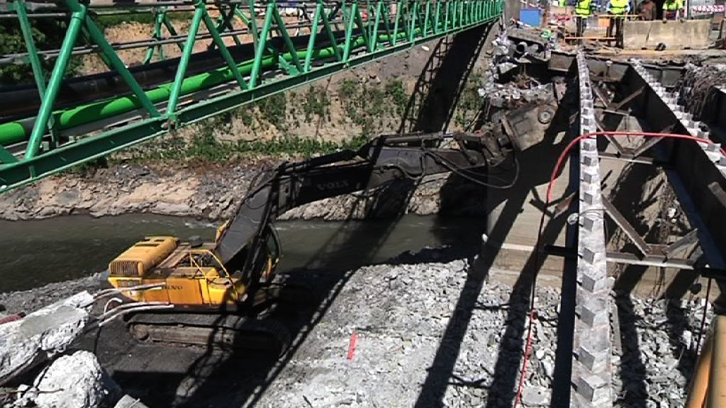 Video Comienzan las obras de sustitucin del puente Gudarien en Basauri, Bizkaia