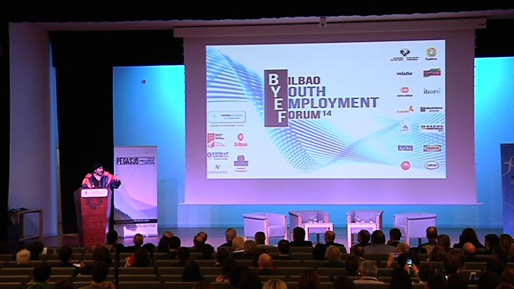"""Video Aburto sobre el empleo juvenil: """"está en juego nuestra pervivencia como sociedad"""""""