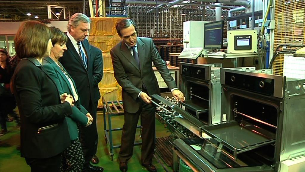 Video La consejera Arantxa Tapia visita la empresa Fagor CNA