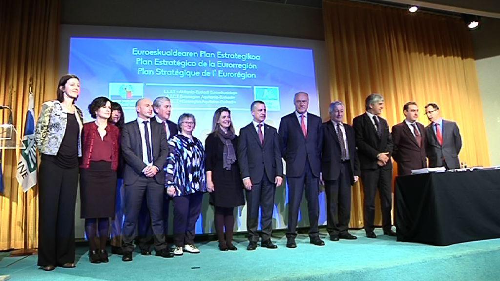 Video  Iñigo Urkullu y Alain Rousset presentan en Hendaia el Plan Estrategico 2014-2020 de la Eurorregion Aquitania-Euskadi