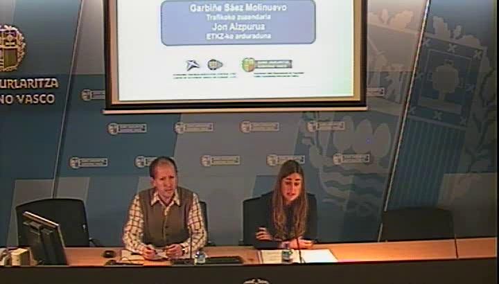 Video La Dirección de Tráfico espera 15.000 vehículos más que el año pasado en las carreteras de Euskadi durante la Semana Santa